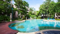 <div><p>Baan San Saran Hua Hin Apartments is a family-friendly beachfront condominium located just before Khao Takiab, that shares the same stretch of beach as world class hotels such as Chiva Som and Intercontinental. <br />This low-rise condominium is perfect for short/long-term stay for groups and families with children due to its many facilities including slider pool for children, snooker room, fitness facilities, self-service laundrette and children's room</p></div>